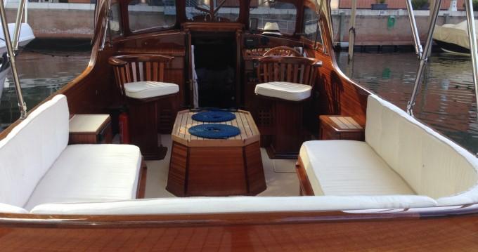 Rental Motor boat in Venice - Pettersson Model R29 OC Pettersson Model R29 OC