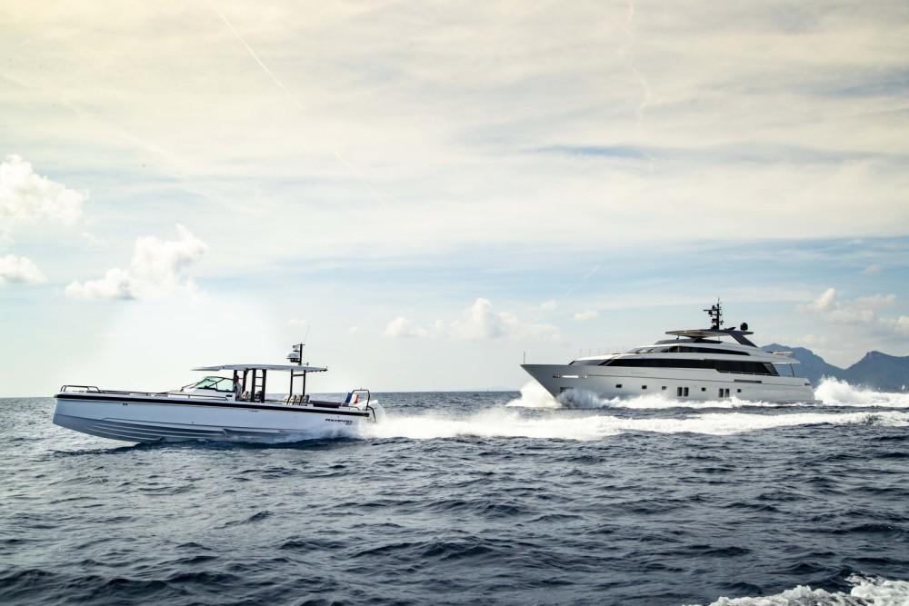 Rental Motor boat Axopar with a permit