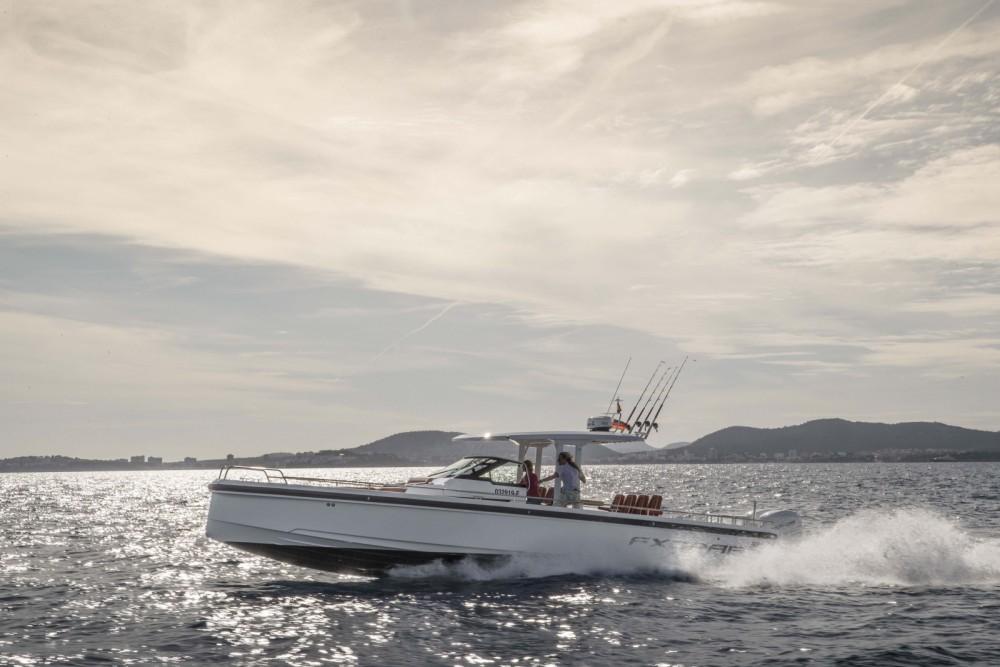 Rental yacht Castelló d'Empúries - Axopar 37 T-Top on SamBoat