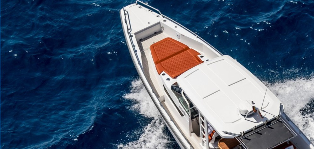 Hire Motor boat with or without skipper Axopar Castelló d'Empúries