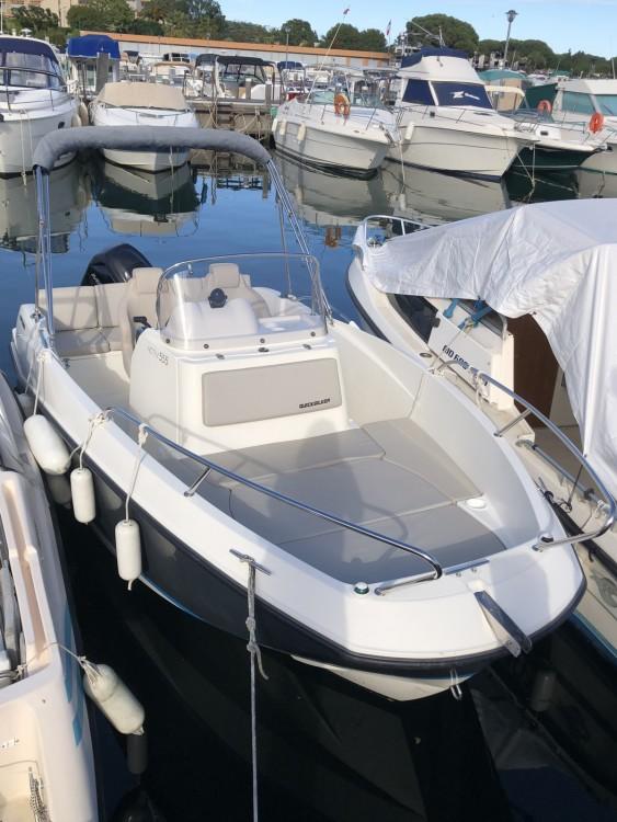 Rental yacht Mandelieu-la-Napoule - Quicksilver 555 on SamBoat