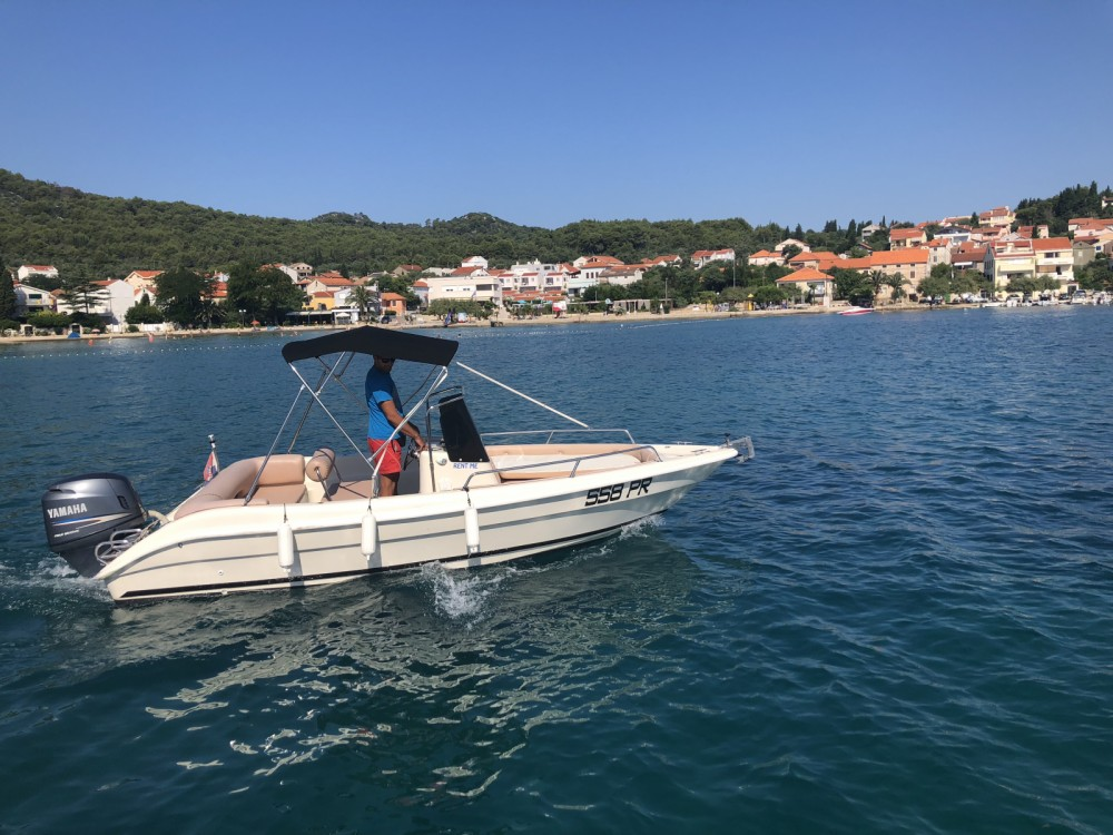 Boat rental Coverline pescosa 5.50 in Preko on Samboat
