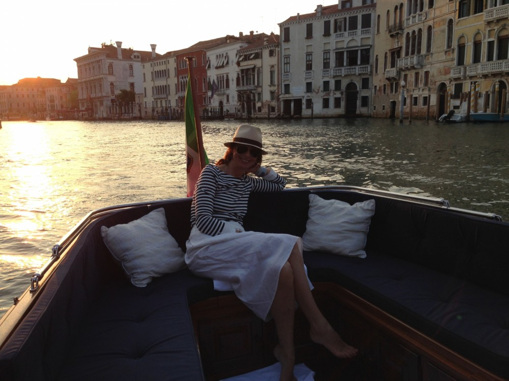 Motor boat for rent Venice at the best price