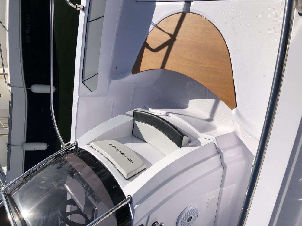 Boat rental Ranieri Ranieri 19s in Bormes-les-Mimosas on Samboat