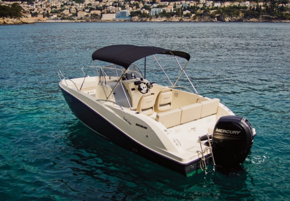 Boat rental Quicksilver Activ 675 Open in Mandelieu-la-Napoule on Samboat