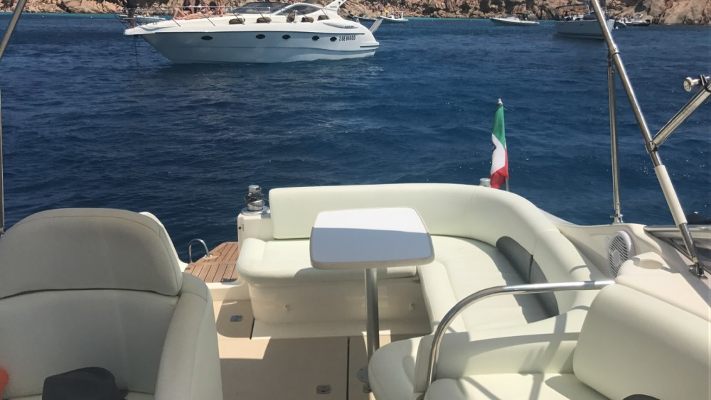 Rental Motor boat Cranchi with a permit