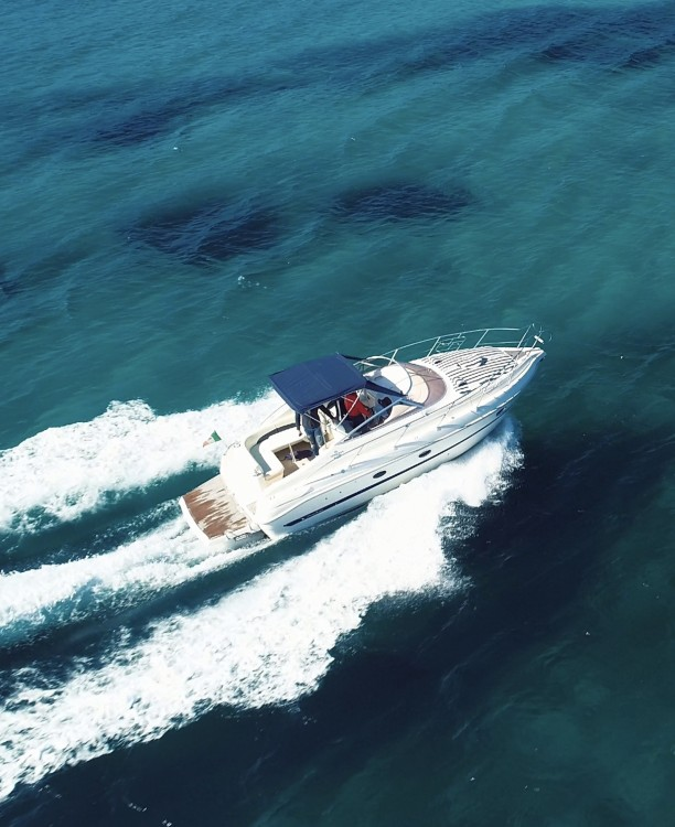 Hire Motor boat with or without skipper Cranchi Cannigione