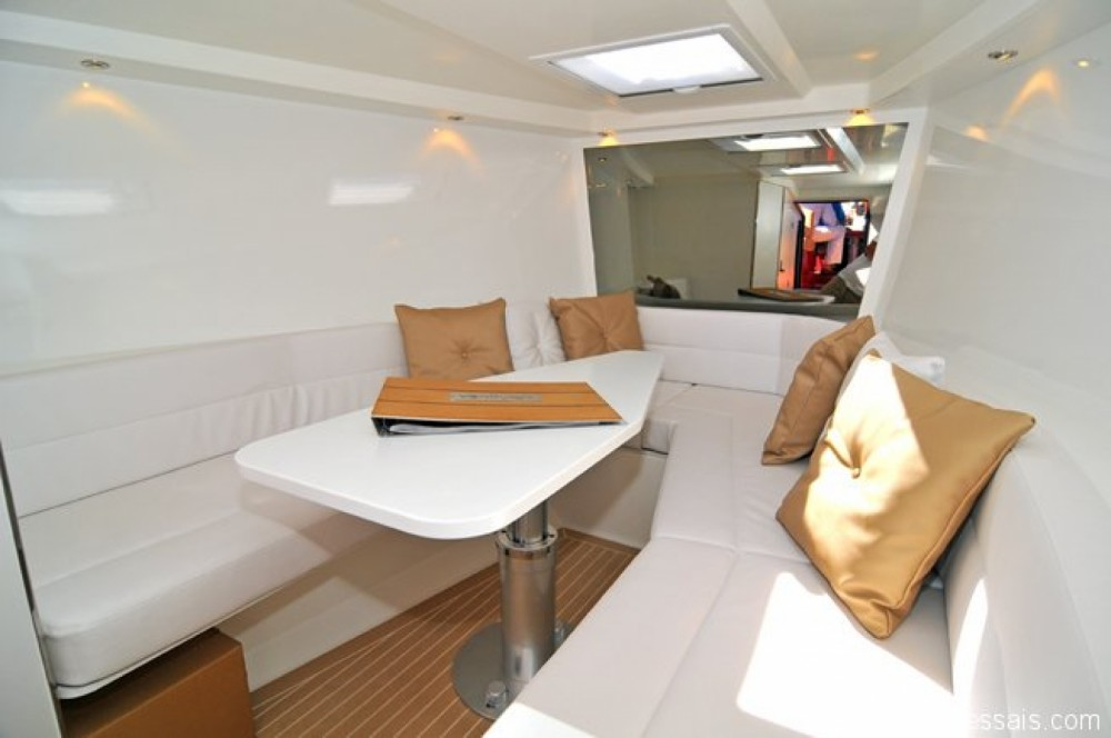 Rental Motor boat in Vallauris - VanDutch VanDutch 40