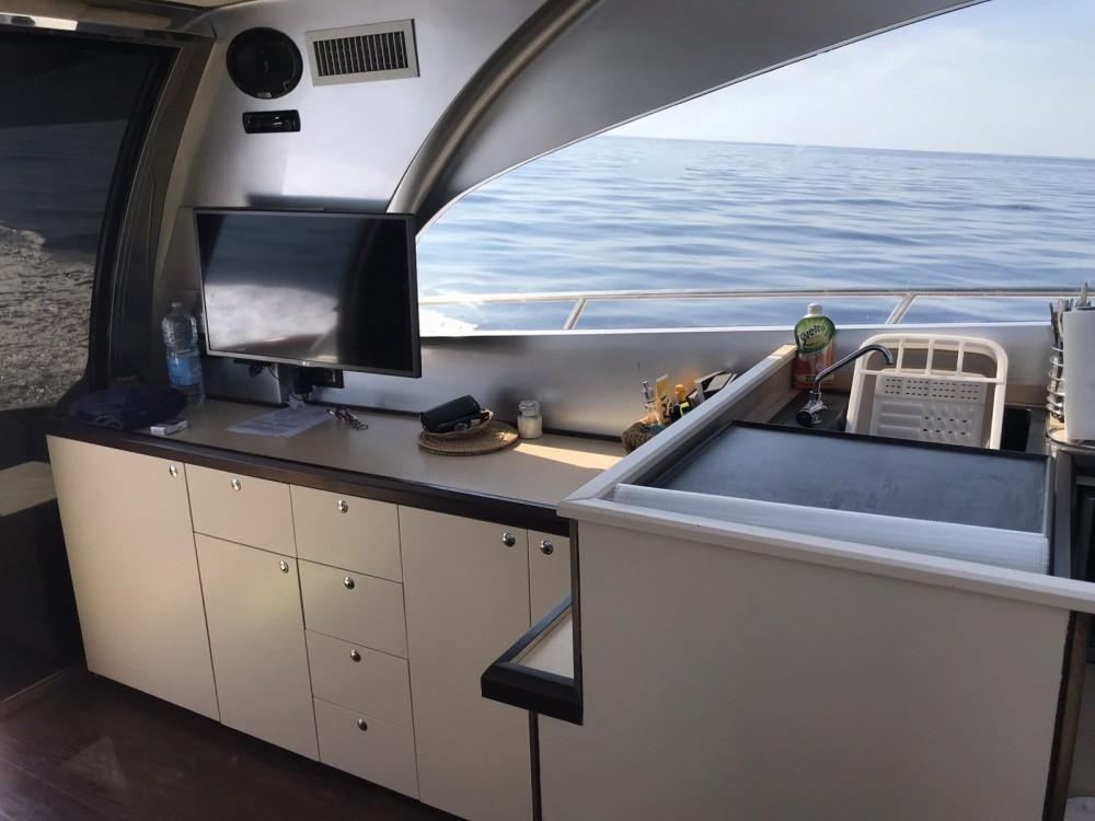 Hire Motor boat with or without skipper Pietra-Marina-46 Castiglione della Pescaia