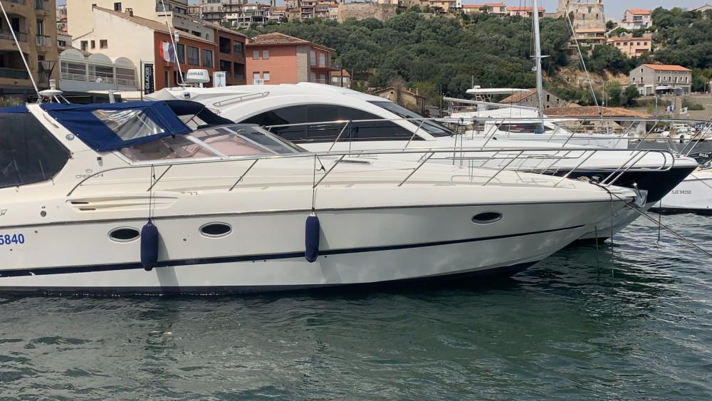 Location bateau Cranchi Smeraldo 37 à Porto-Vecchio sur Samboat