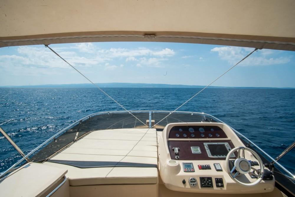Rental yacht Split - Sunseeker Manhattan 52 on SamBoat