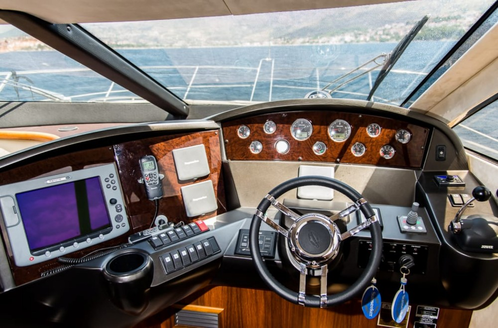 Sunseeker Manhattan 52 te huur van particulier of professional in Split