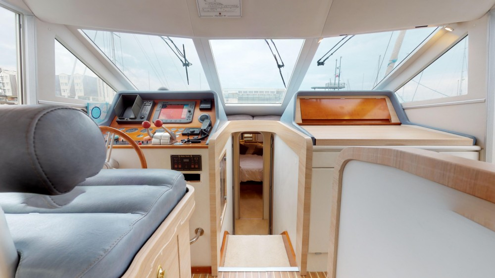 Boat rental Guy Couach Guy Couach 1401 Fly in La Rochelle on Samboat