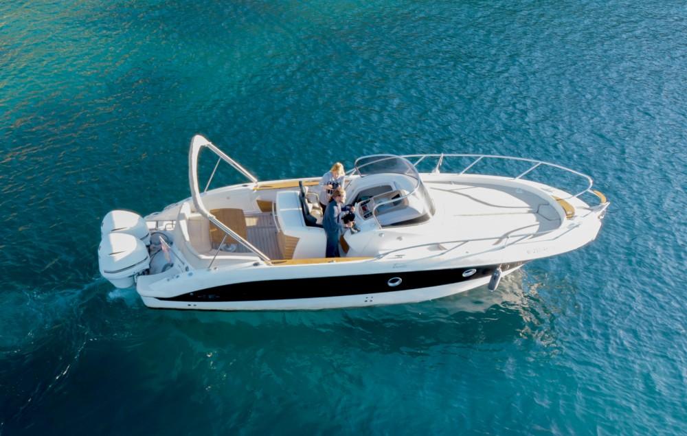 Louer Bateau à moteur avec ou sans skipper Sessa Marine à Ibiza