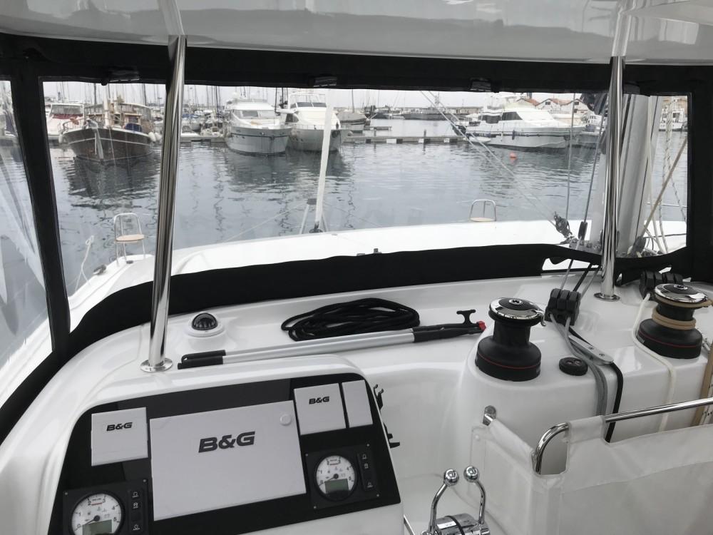 Location bateau Lagoon Lagoon 42 à Capo d'Orlando sur Samboat