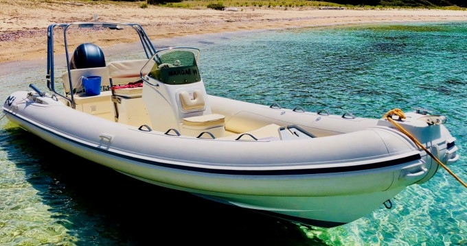 Location bateau Nuova Jolly Blackfin 21 Elegance à Belvédère-Campomoro sur Samboat