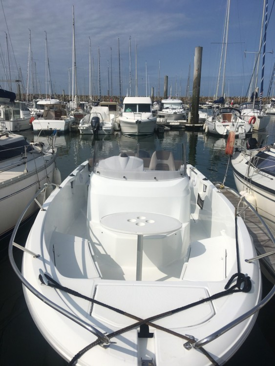 Motor boat for rent Pornichet at the best price