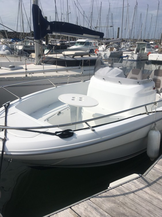 Rental yacht Pornichet - Jeanneau Cap Camarat 650 CC Style on SamBoat