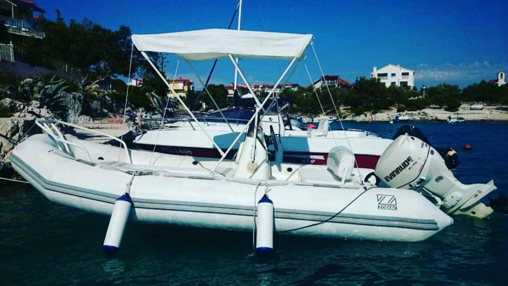 Boat rental Zodiac Yachtline 480 Deluxe Rib in Trogir on Samboat
