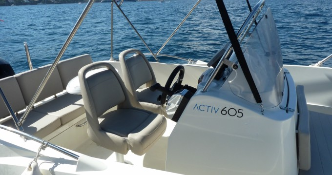 Quicksilver Activ 605 Open between personal and professional Mandelieu-la-Napoule