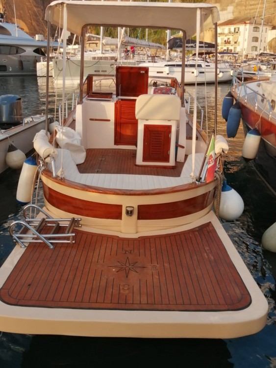 Motor boat for rent Piano di Sorrento at the best price