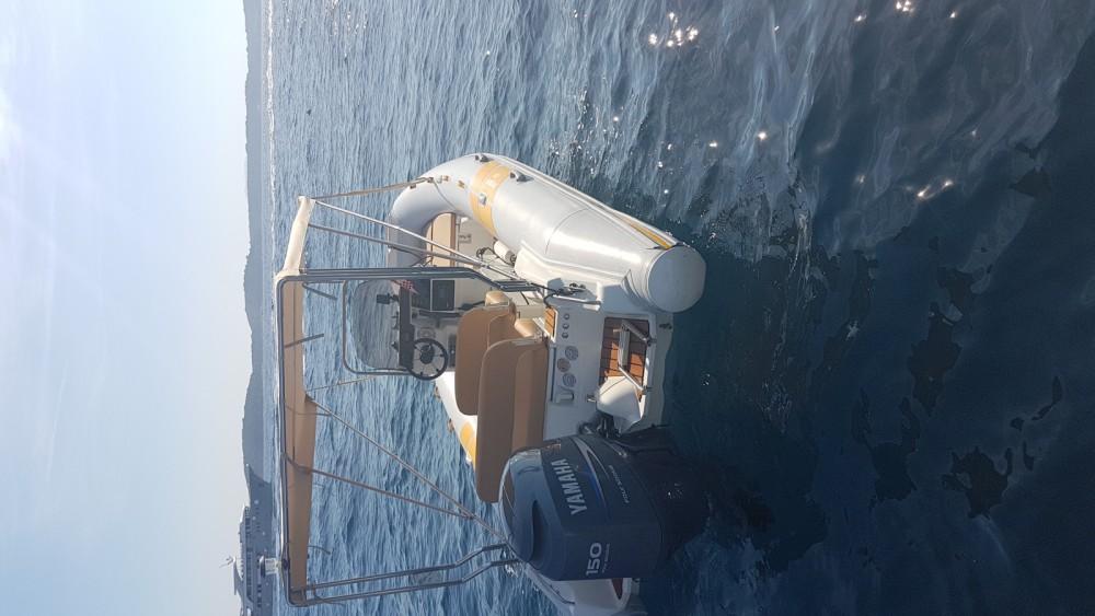 Rental Motor boat in Hvar - Flyer 575