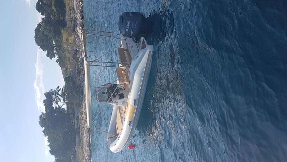 Boat rental Hvar cheap 575