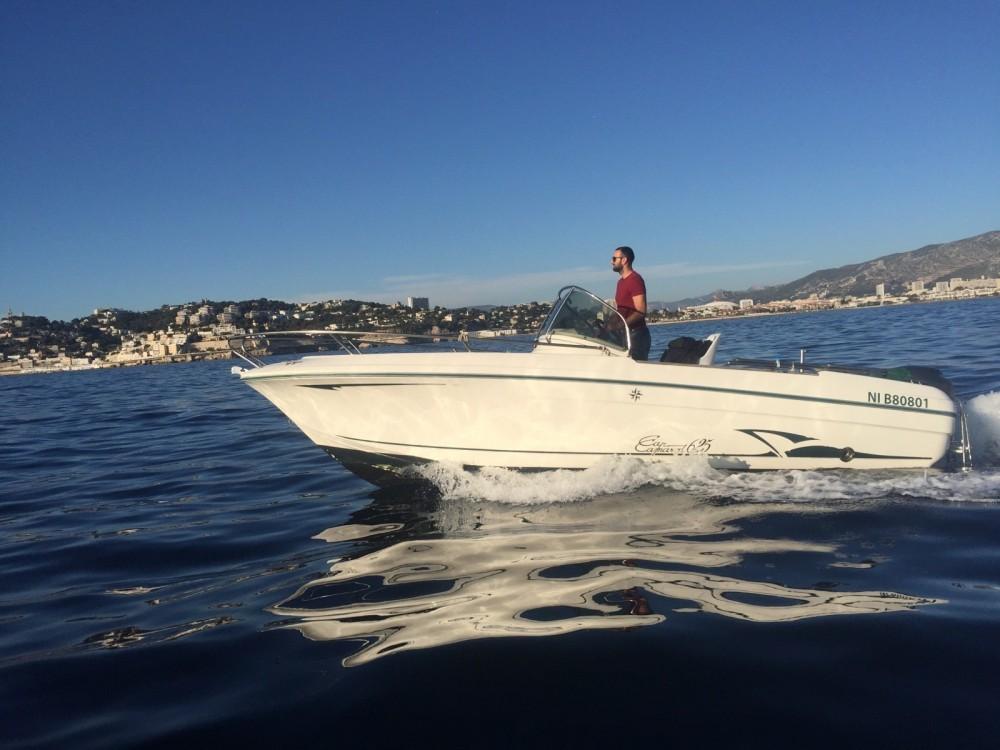 Boat rental Jeanneau Cap Camarat 625 in Marseille on Samboat