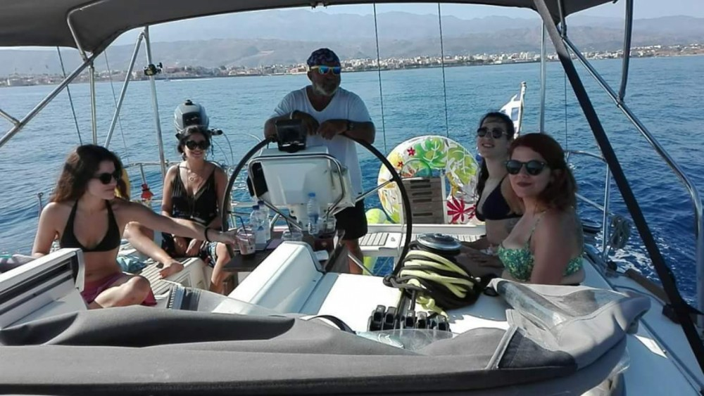 Zeilboot te huur in Chania voor de beste prijs