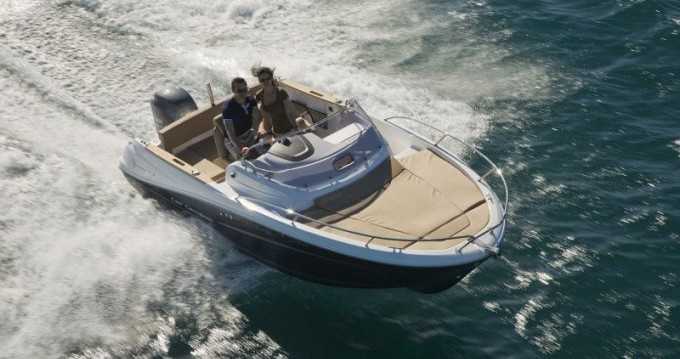 Boat rental Jeanneau Cap Camarat 6.5 WA in Zadar on Samboat