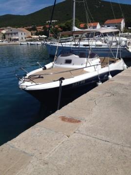 Barca a motore a noleggio Zara al miglior prezzo