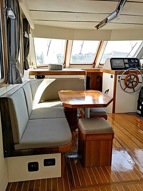 Boat rental Saint-Raphaël cheap Sundeck 48