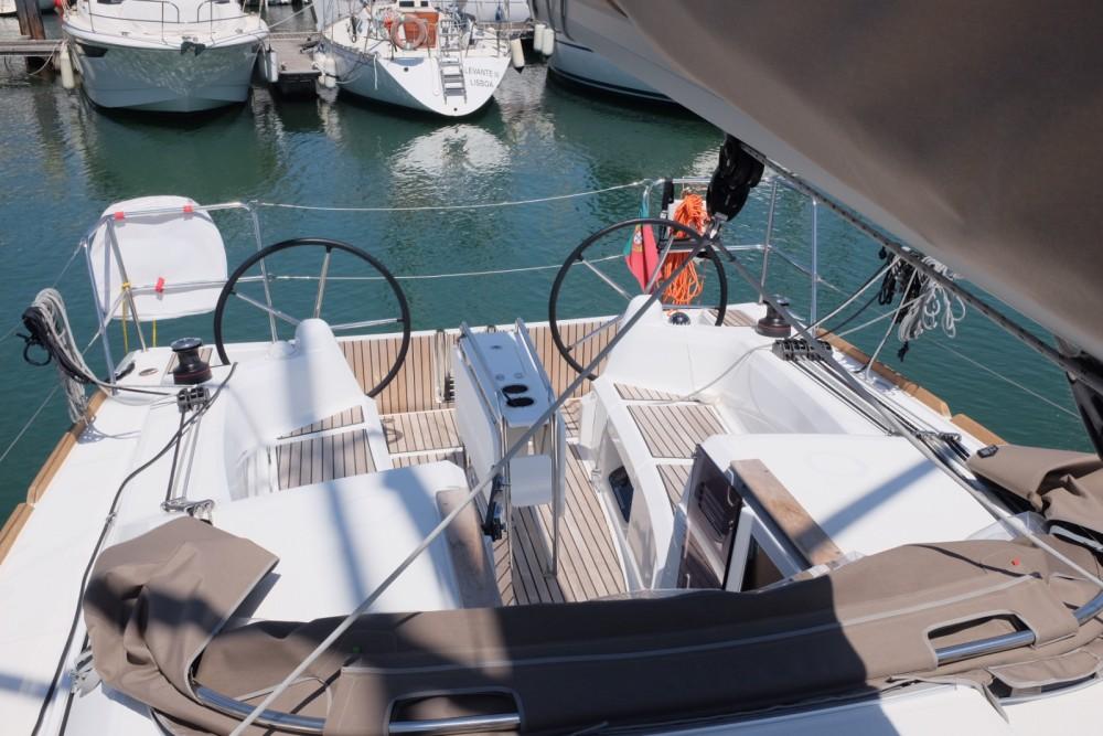 Rental yacht Lisbon - Jeanneau Sun Odyssey 349 on SamBoat