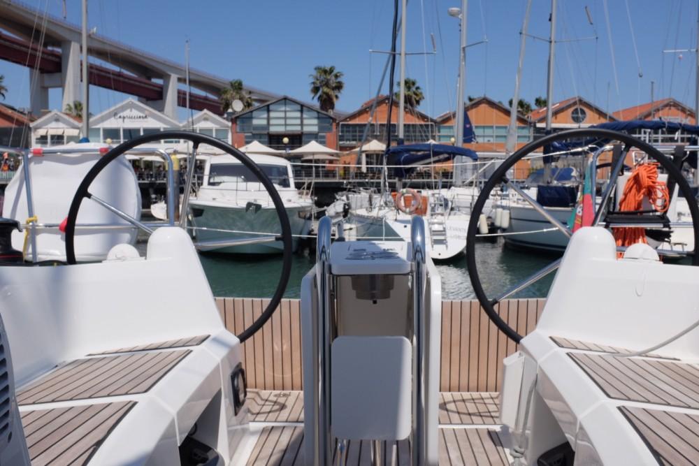 Boat rental Lisbon cheap Sun Odyssey 349