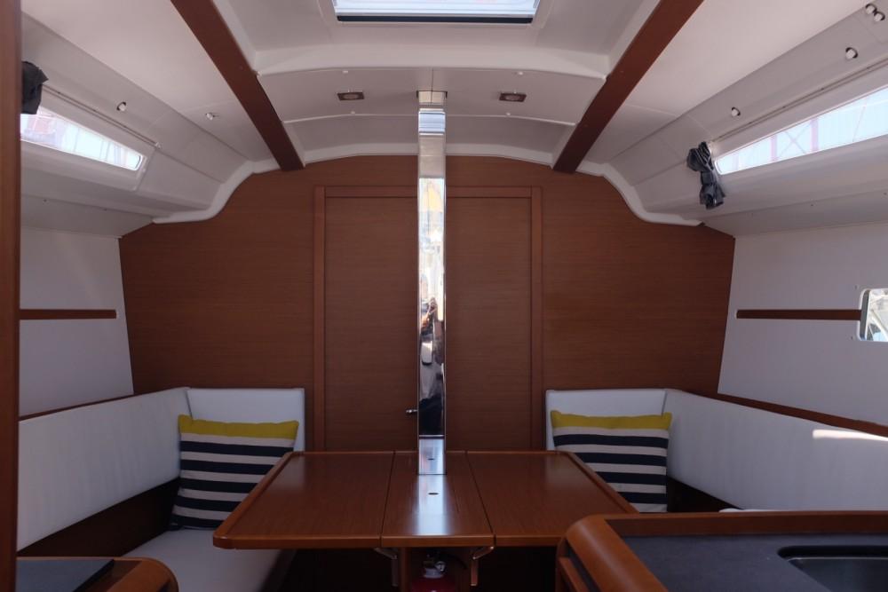 Rental Sailboat in Lisbon - Jeanneau Sun Odyssey 349