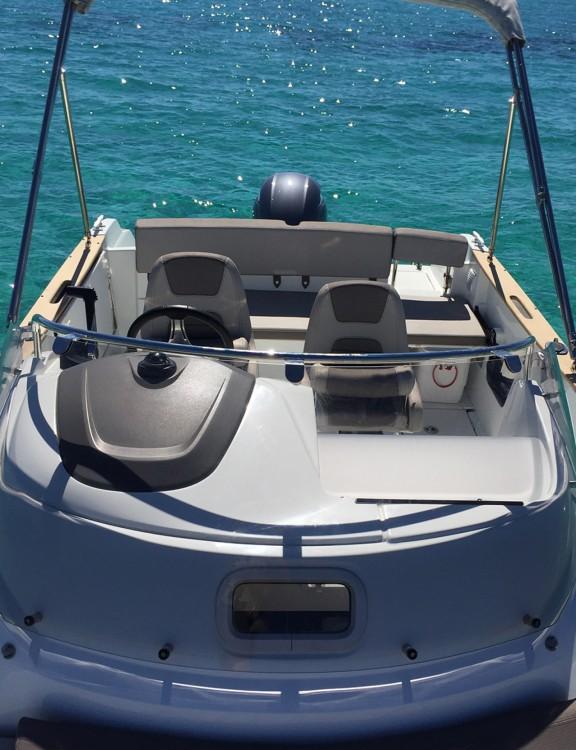 Louer Bateau à moteur avec ou sans skipper Jeanneau à Ibiza