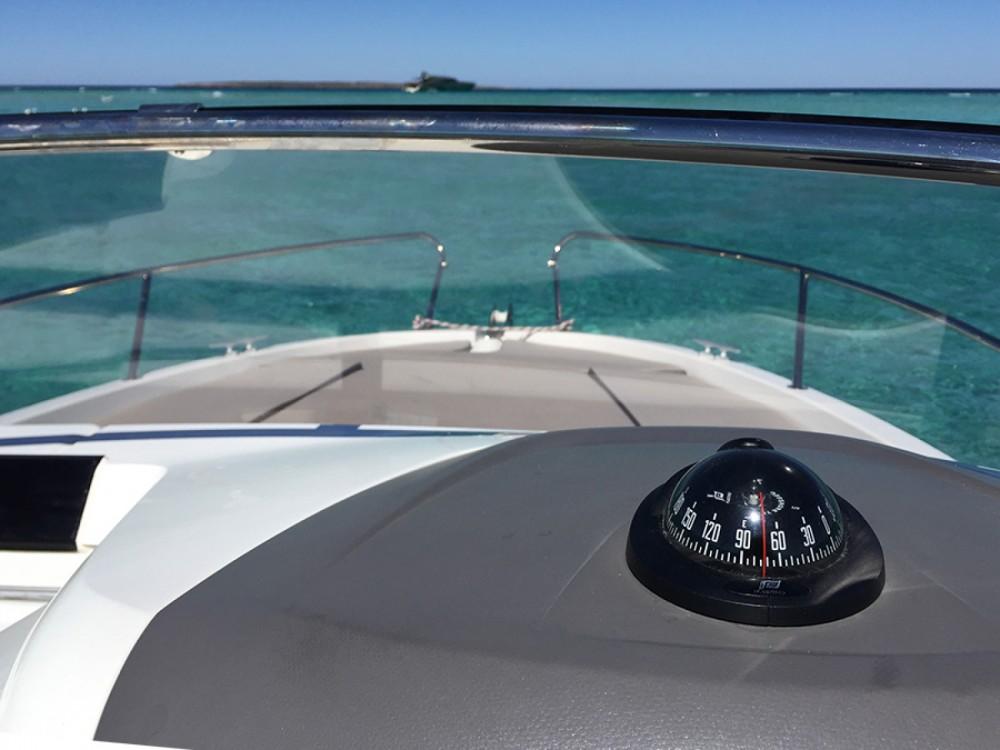 Location Bateau à moteur à Ibiza - Jeanneau Cap Camarat 650