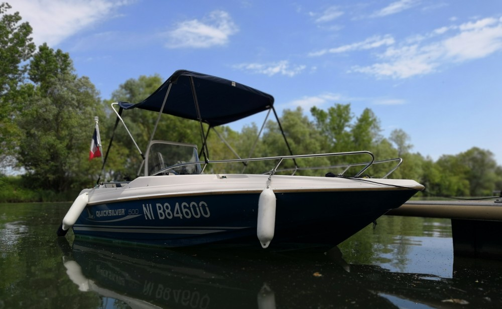 Location bateau Quicksilver Quicksilver 500 Commander à Mâcon sur Samboat