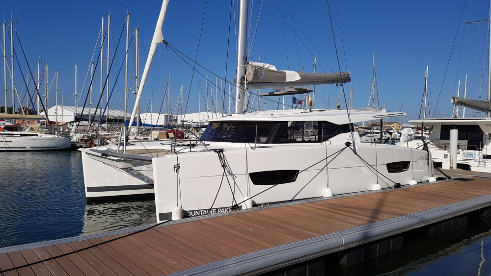 Catamaran for rent Canet-en-Roussillon at the best price