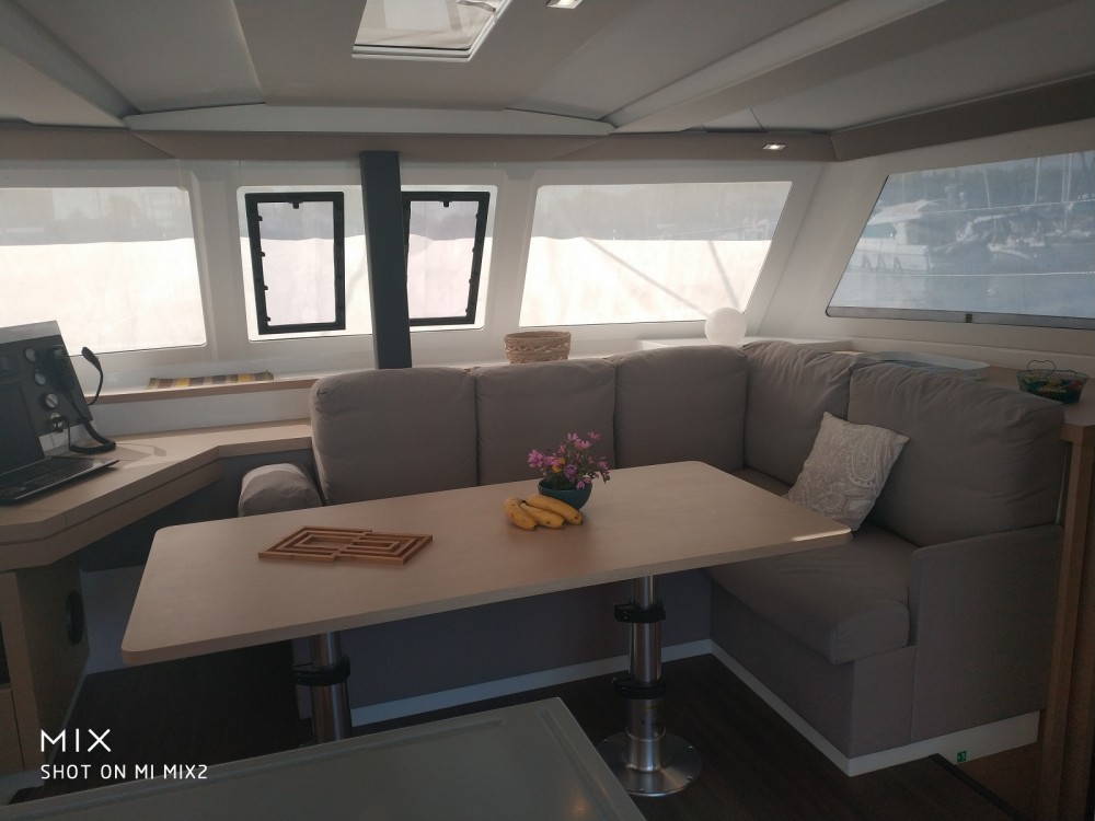 Hire Catamaran with or without skipper Fountaine Pajot Canet-en-Roussillon