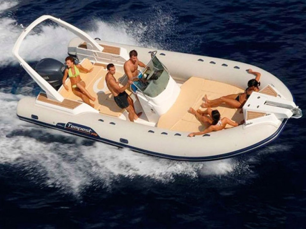 Rental Motor boat in Palma - Cantiere Tempest 770 Sun