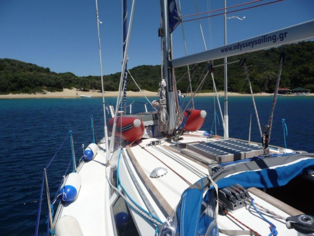Jeanneau Sun Odyssey 33 between personal and professional Volos