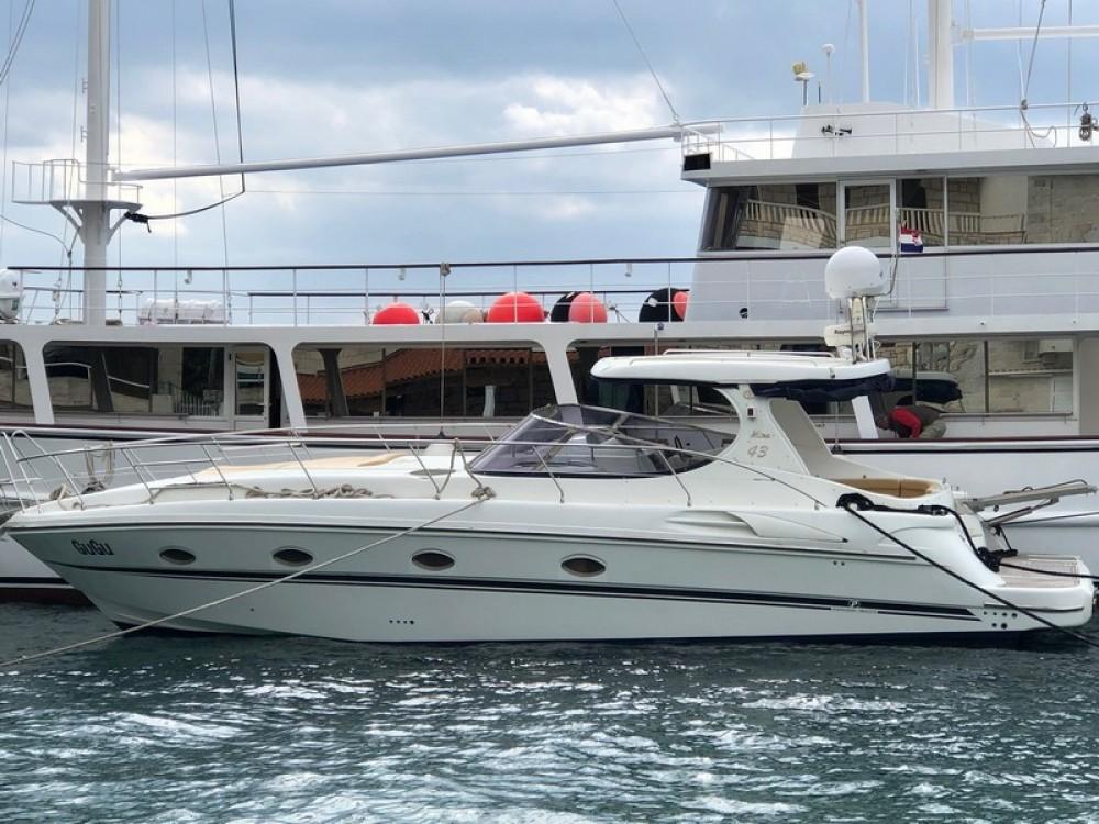 Boat rental Innovazioni Mira 43 in Marina LAV on Samboat