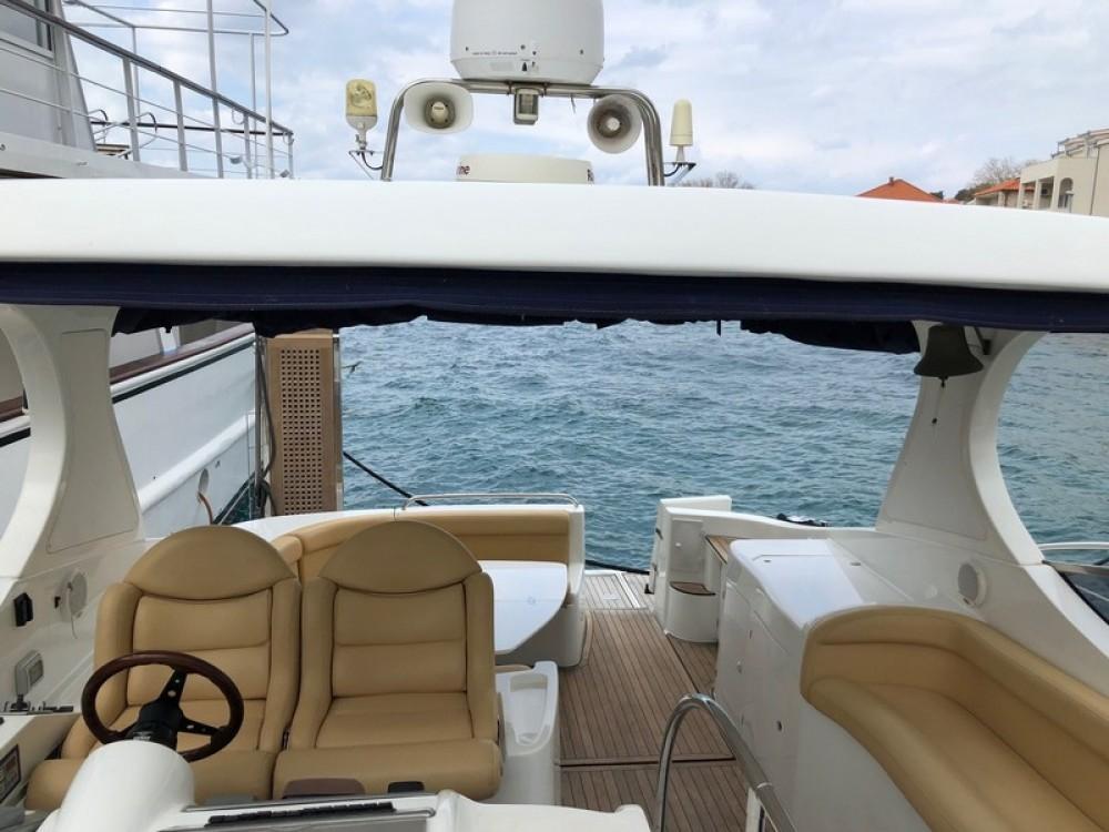 Rent a Innovazioni Mira 43 Marina LAV
