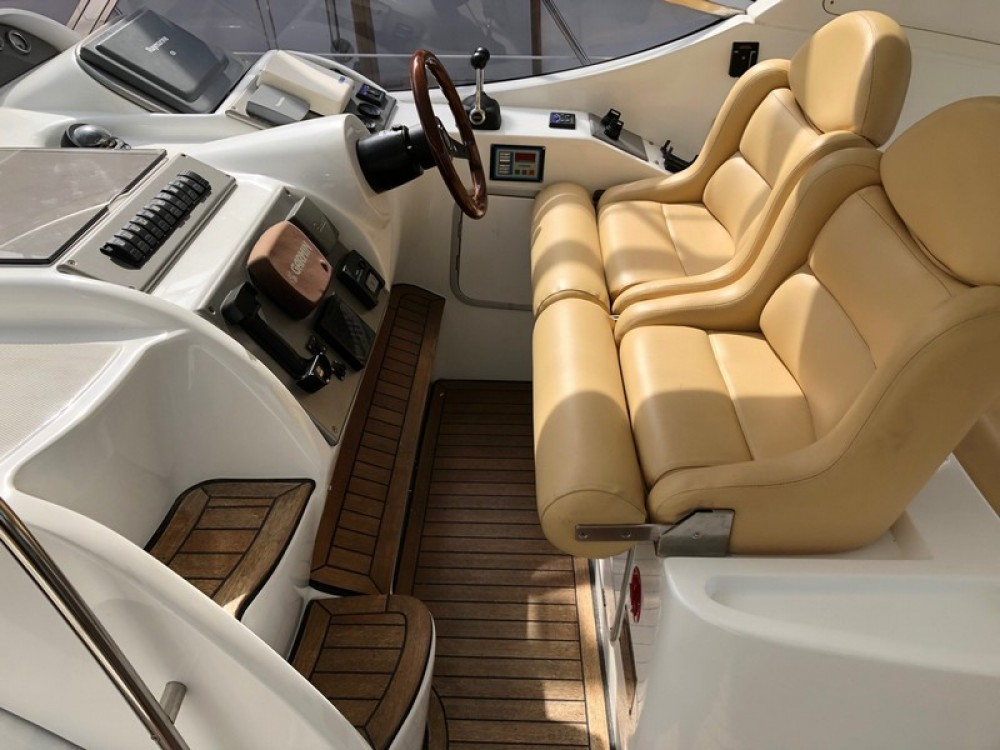 Hire Motor boat with or without skipper Innovazioni Marina LAV