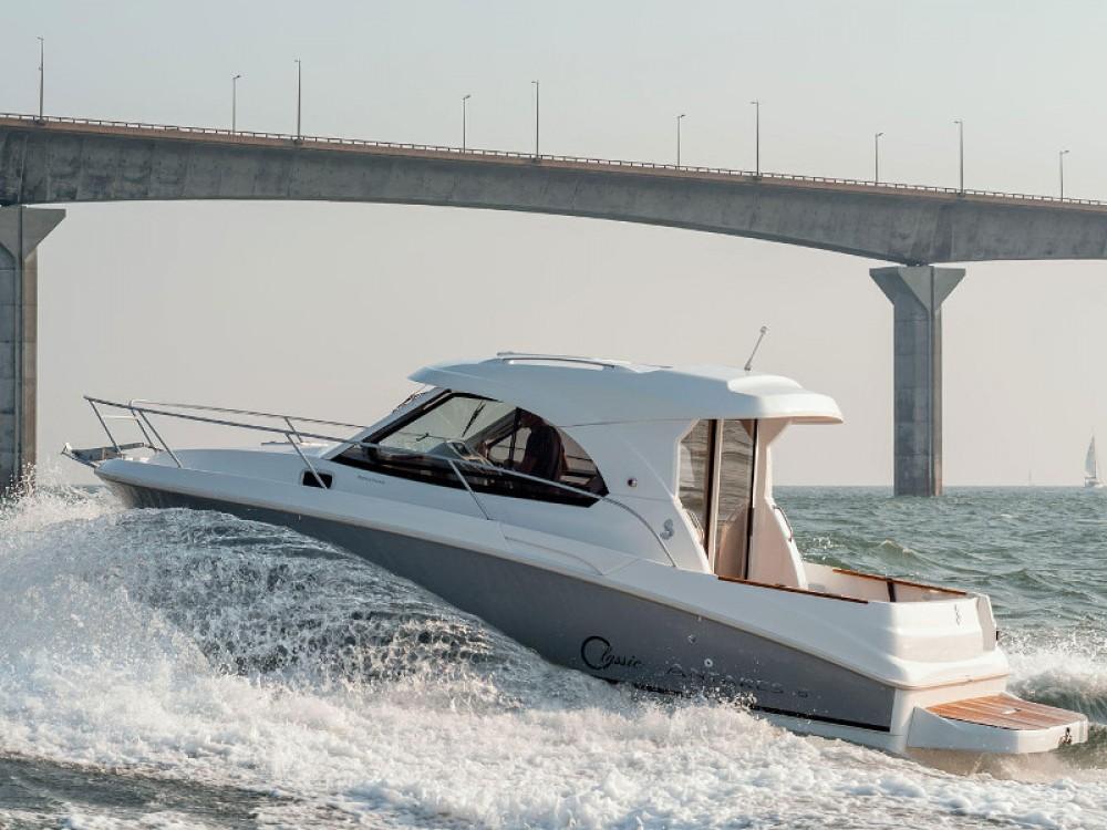 Rental yacht Marina Zadar - Bénéteau Antares 8 on SamBoat