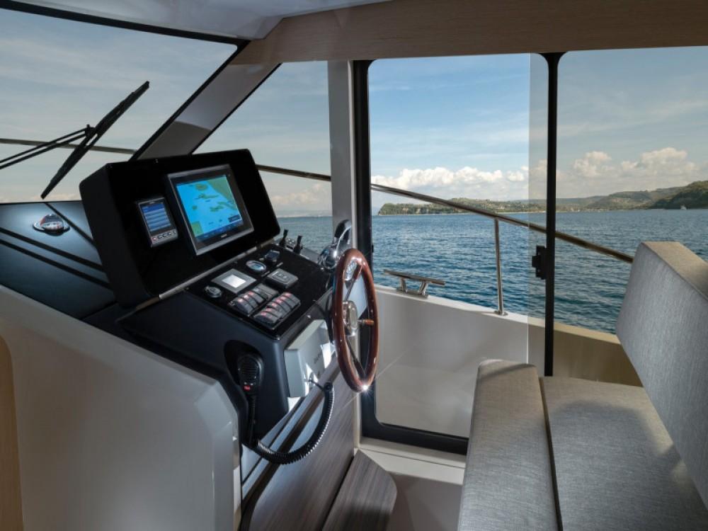 Rental yacht Marina Zadar - Greenline Greenline 39 on SamBoat