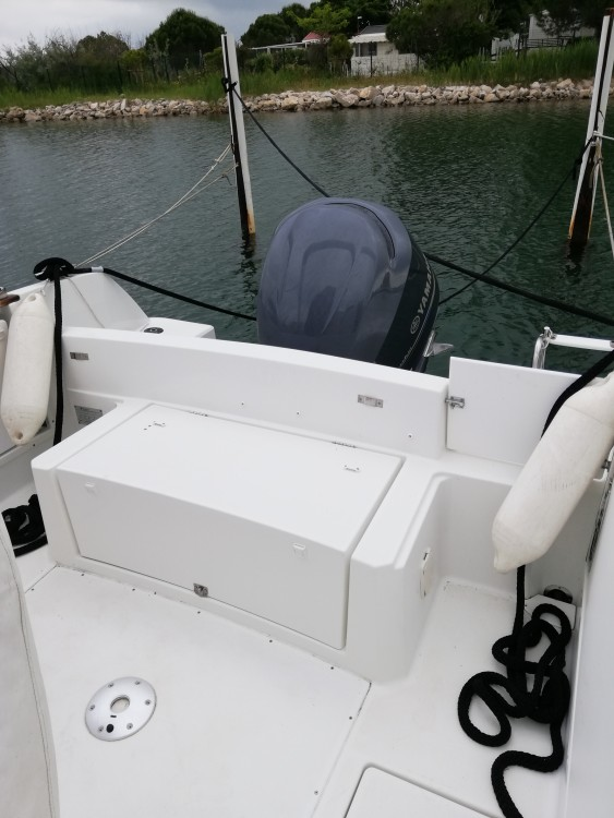 Hire Motor boat with or without skipper Jeanneau Le Grau-du-Roi