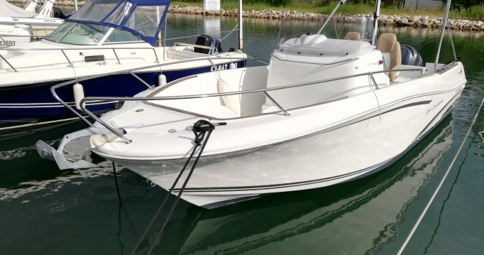 Location yacht à Le Grau-du-Roi - Jeanneau Cap Camarat 7.5 CC Style sur SamBoat