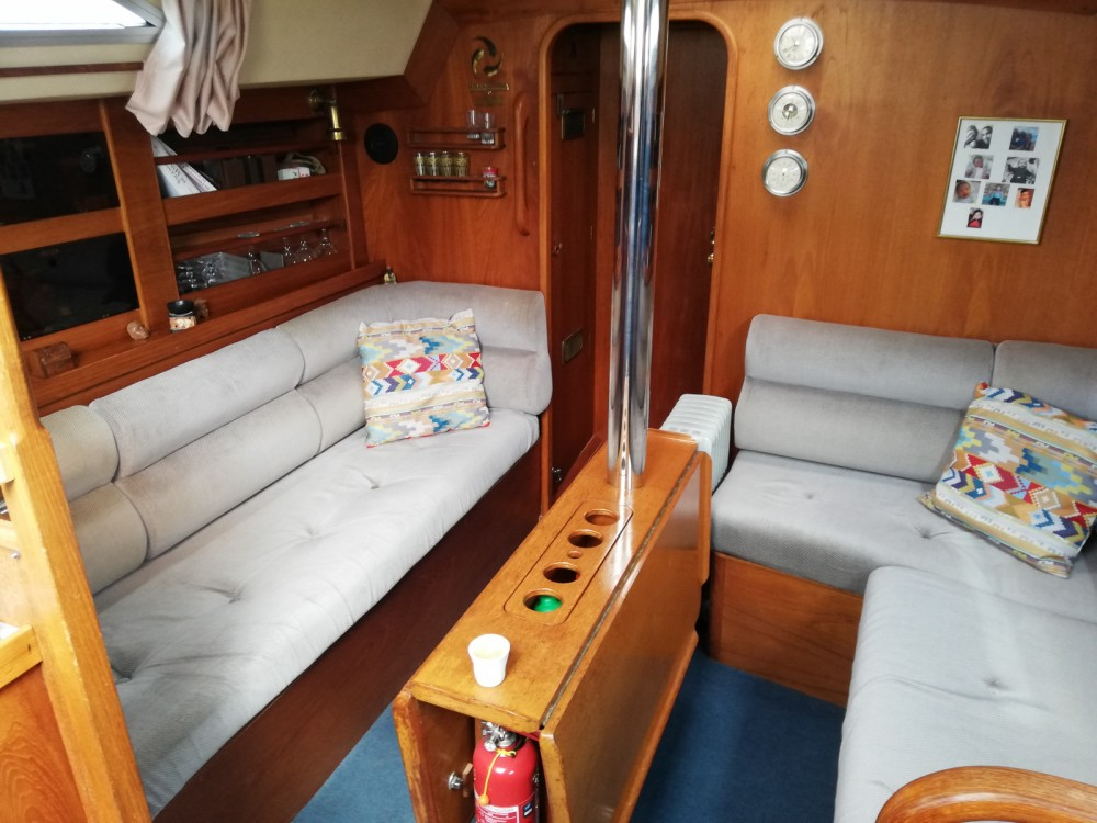 Hire Sailboat with or without skipper Moody Le Grau-du-Roi